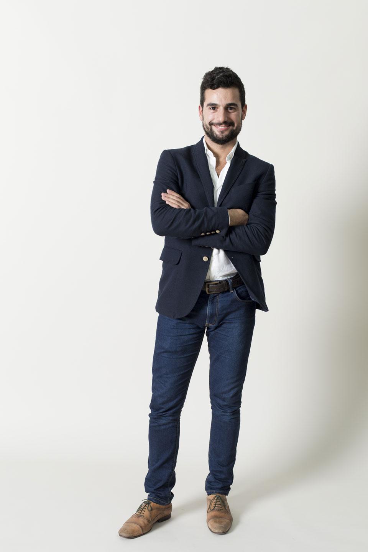 Pedro Segundo – Standing